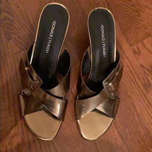 Donald Pluiner size 9 summer heels